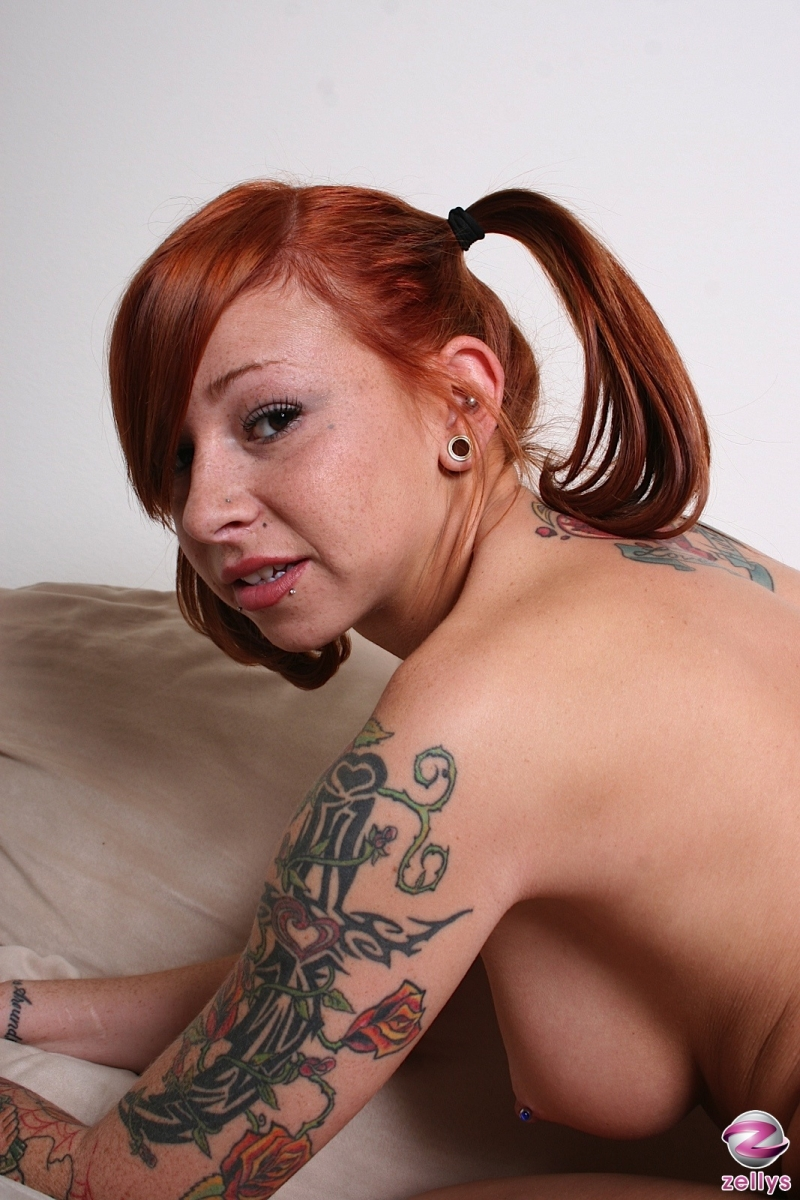 Scarlett pain lanas big boobs