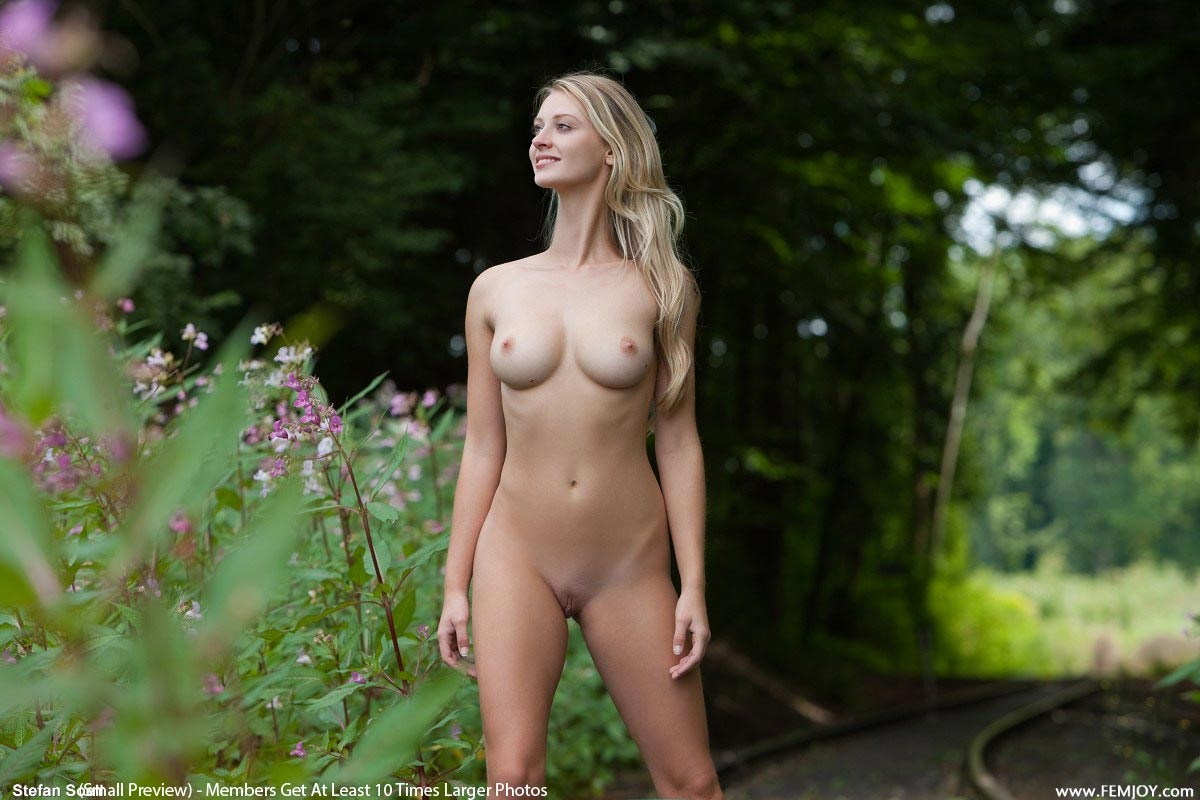 Oasis Nude