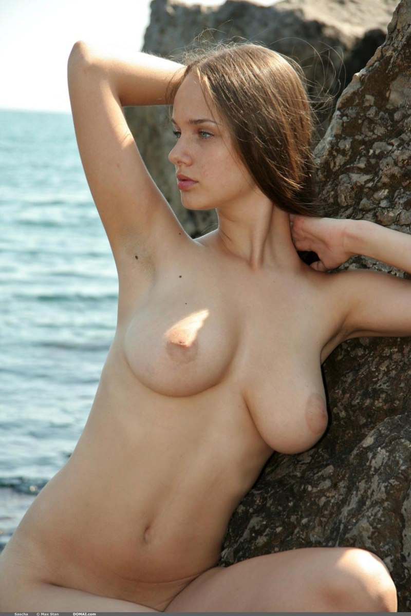 nude hairy ladies posing