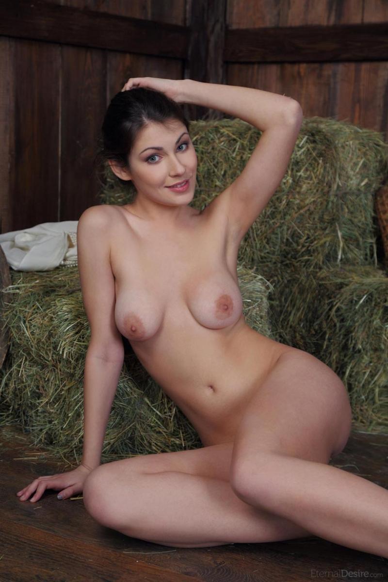 nude brazilian ring girl