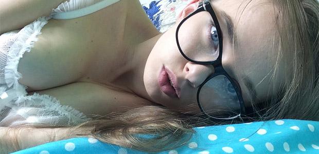 Milena Angel Selfies