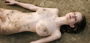 domai valentina naked in water