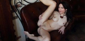 cute-topless-babe-in-panties