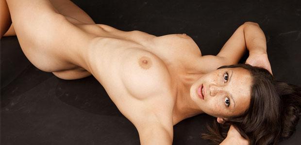 domai-katani-shows-large-tits