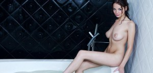 hot-busty-chick-in-a-jacuzzi