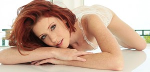 redhead-perfection-elle-alexandra-and-her-toy